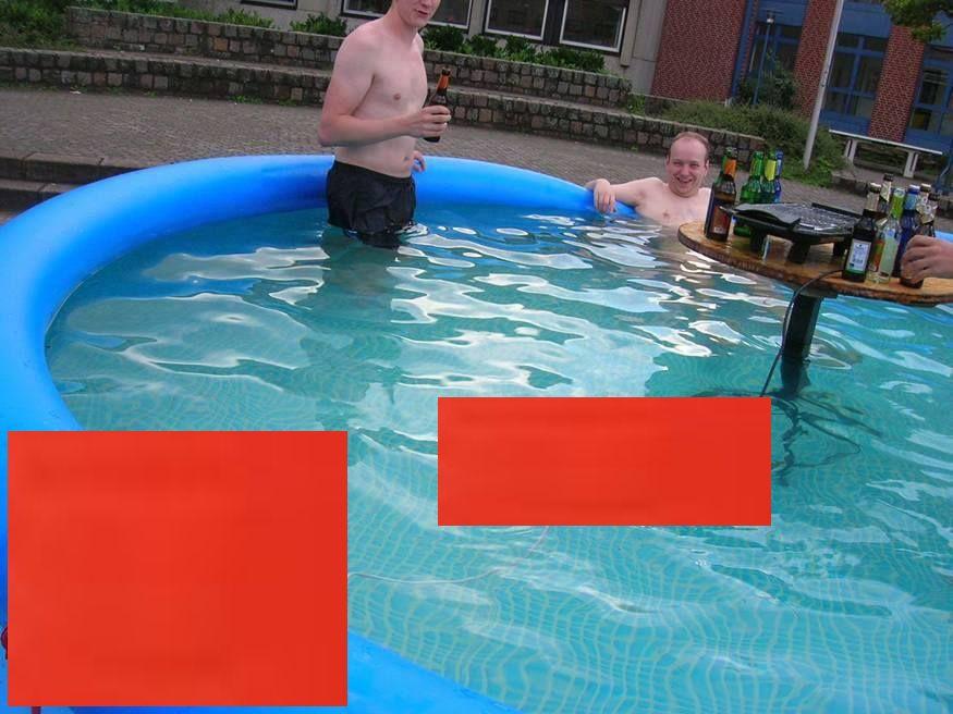 prostii in piscina0