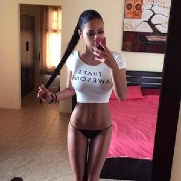 tanara_bikini2