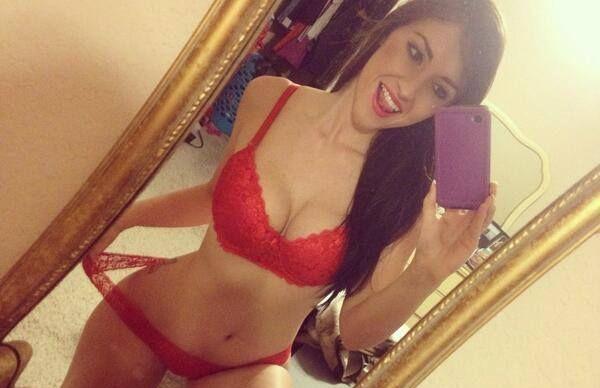 selfie_rosu