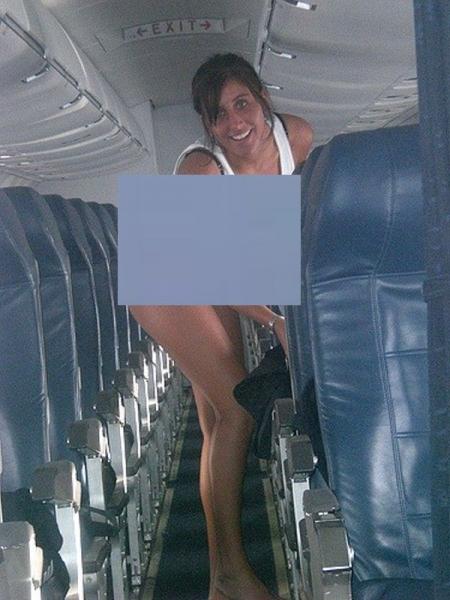 se schimba stewardesa0